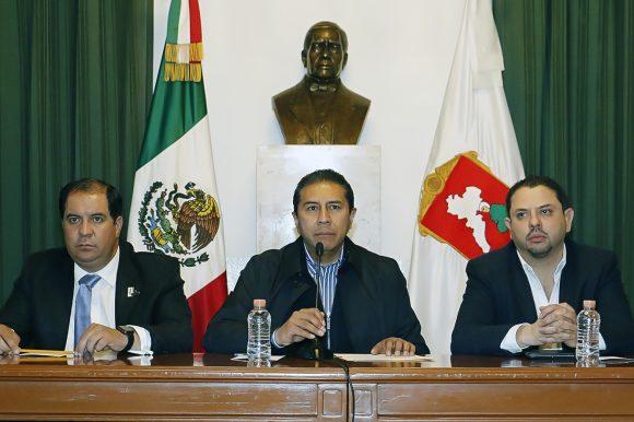 Ofrece el ayuntamiento de Toluca a Pemex,  una solución inmediata al desabasto de gasolina