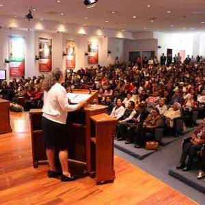 Registra éxito rotundo la conferencia por el Día Internacional de la Mujer