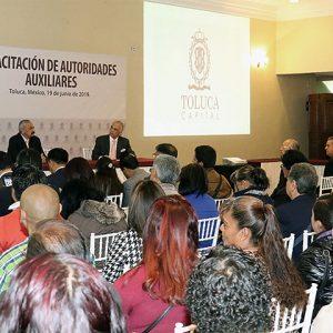 Profesionaliza Toluca a autoridades auxiliares para un mejor servicio a la población