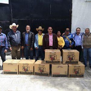 Reciben agricultores de Toluca motobombas para aumentar productividad