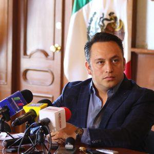 Octavo Regidor de Toluca ofrece apoyo a los boleros del centro de la ciudad