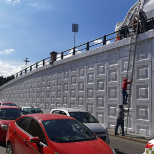 Rehabilitan autoridades puentes peatonales de Toluca