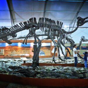 Dinosaurios cobran vida en Toluca y esperan visita de las familias
