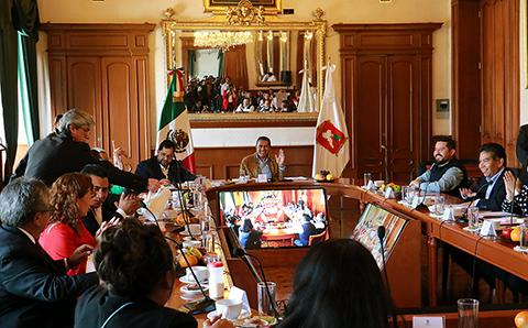 Anuncian autoridades cambio de 50 mil luminarias en Toluca