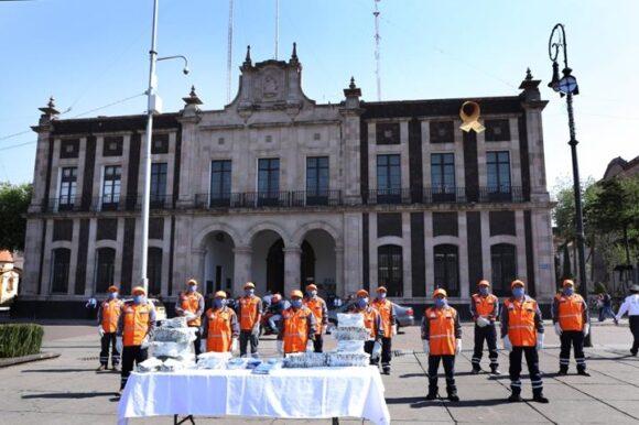 Entrega Toluca equipo de protección a personal de Servicios Públicos
