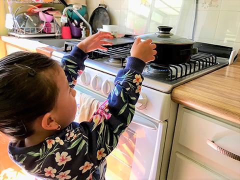 Invita PC y Bomberos de Toluca extremar precauciones con niños en casa