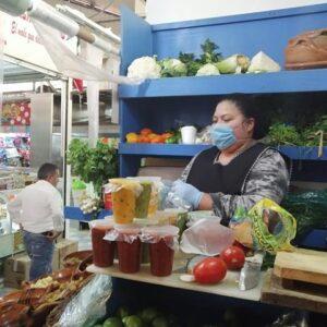 Con aplicación de medidas preventivas, mercados y tianguis de Toluca continúan con su actividad