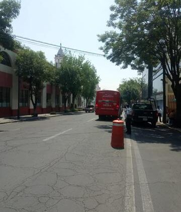 Aplica Toluca infracciones a transporte público por no respetar carril de confinamiento