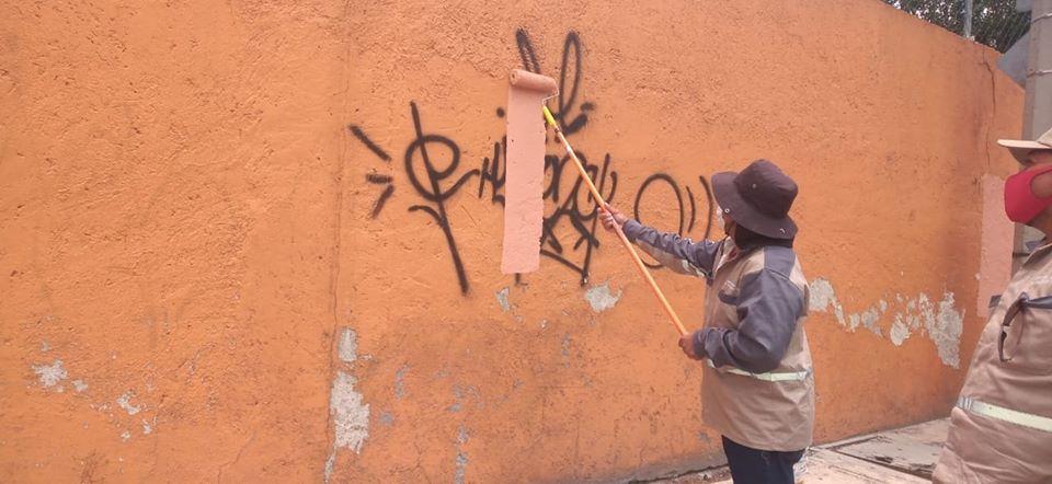 Borra Servicios Públicos graffitis de paredes, cantera y piedra en Toluca