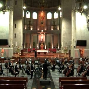 Miles de personas recordaron a víctimas de pandemia en concierto de la OFiT