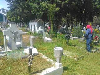Por seguridad y por la salud de la población, el Panteón General  y el Cementerio Municipal permanecerán cerrados