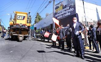 Arranca Toluca programa de rehabilitación de 100 kilómetros de vialidades