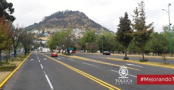 Balizado en vialidades y calles de Toluca favorece seguridad de peatones y automovilistas