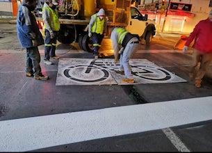 Garantiza balizado de cruces en Toluca la seguridad de ciclistas