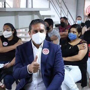 Recibe Juan Rodolfo vacuna contra COVID-19