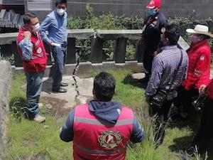 Bomberos de Toluca monitorea cuerpos rocosos de El Calvario