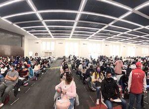 Jóvenes de 18 a 29 años muestran gran participación en primer día de la Jornada de Vacunación en Toluca