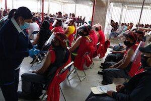 Acelera Toluca protección contra COVID-19 con más de 600 mil personas vacunadas; 50.6% con esquema completo y 49.4% con una dosis
