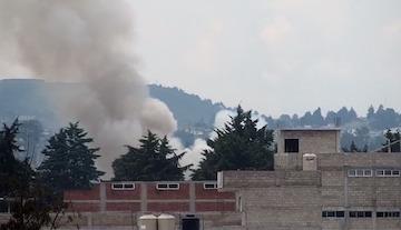 Atiende PC y Bomberos de Toluca explosión por pólvora en San Cristóbal Huichochitlán